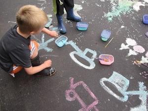 детские рисунки на асфальте
